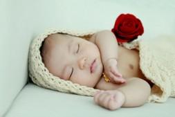 宝宝经常趴着对发育有好处吗?