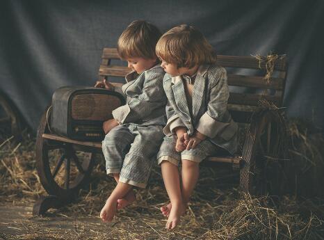孩子有什么事情都藏心里不愿意跟家长说怎么办?