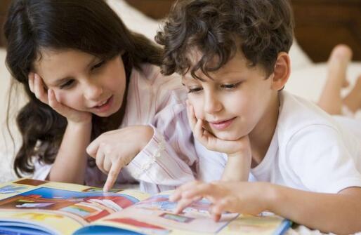 用发奖励来要求孩子的考试成绩 这种做法可行吗