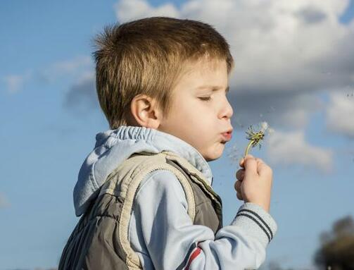 怎样才能把小孩教育的不胆怯,自信的孩子?