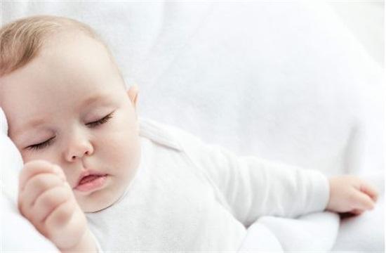 小婴儿宝宝能不能吃盐?新生儿饮食要注意什么?